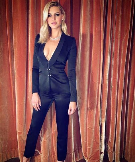 Baywatch Bombshell! Kelly Rohrbach Flaunts Her Curves