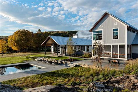 Luckily for you, we offer the hottest trend in southern housing: Modern retreat in Vermont inspired by a meadow landscape