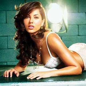 Ultra cool Fun: Mexican Actress and Model Barbara Mori