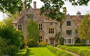 Photo of Avebury Manor
