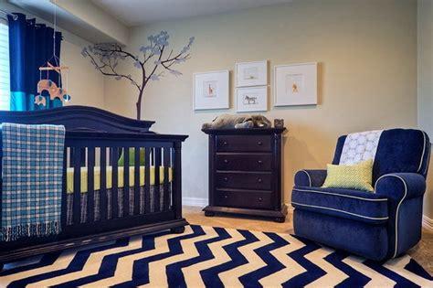 tapis chambre bébé bleu le tapis chambre bébé des couleurs vives et de l