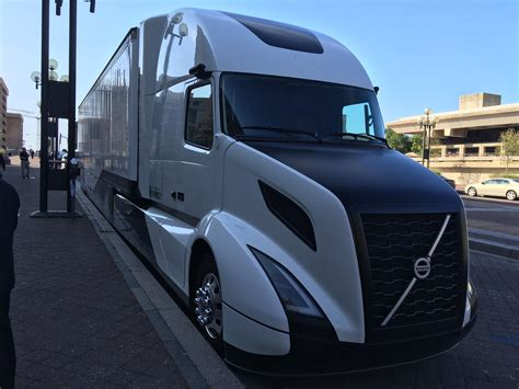 volvos supertruck testing yields  mpg bigrigvin