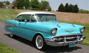 Chevrolet Bel Air 1957 : turquoise white 1957 chevy bel air 2 door hardtop car style and color cars chevy classic cars ~ Medecine-chirurgie-esthetiques.com Avis de Voitures