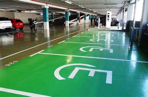 finlandia tendra el parking  coches electricos mas