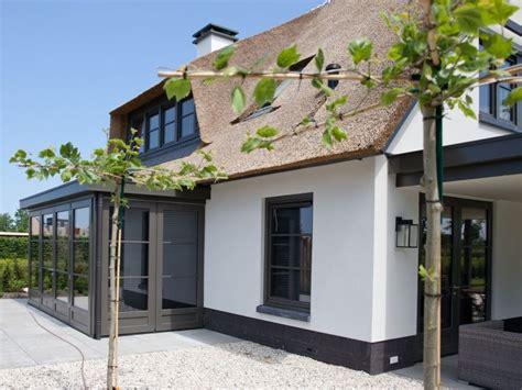 Rieten Huis by De Mooiste Voorbeelden Huizen Met Een Rieten Dak Roomed