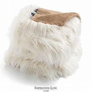 Plaid Blanc Fourrure : plaid de luxe blanc en fausse fourrure par ligne pure ~ Teatrodelosmanantiales.com Idées de Décoration