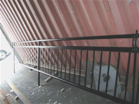 The pure beauty of stainless comes to life in indital usa's inox® stainless modular stair systems. Round Pipe Tubular Steel Railings - New York, NY | Steel Fabricators NYC