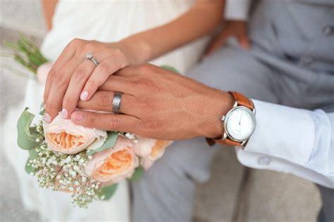 Pandēmijas ietekmē pērn sarucis laulību skaits - Dienas Ziņas