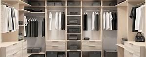 Modele De Dressing : 5 idei de amenajare a dressing ului unui b rbat concept casa ~ Teatrodelosmanantiales.com Idées de Décoration
