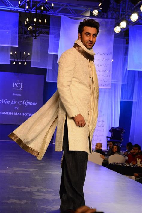 manish malhotra indian bridal fashion  men  mijwan show