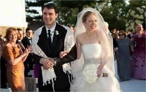 retweleki: isla fisher and sacha baron cohen wedding