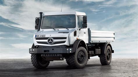 hochgelaendegaengiger unimog mercedes benz lkw trucks