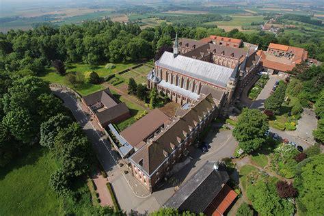 abbaye du mont des cats la et drone observation