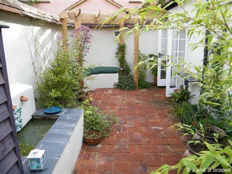 home and garden tips on creating a garden in a small area