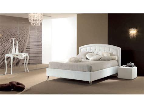 lit  places avec tete de lit beige capitonnee piermaria