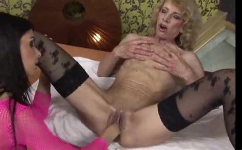 Masturbating Mature Fisted By Sexy Lesbian Chick Mature
