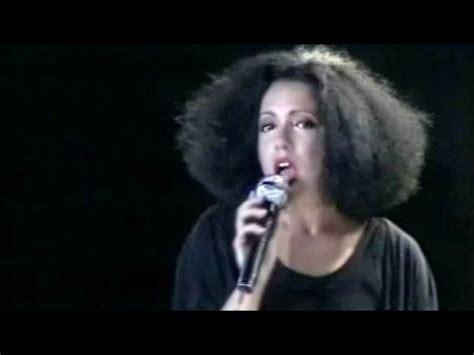 "Antonella Ruggiero  ""mi Manchi Ancora"" Matia Bazar"