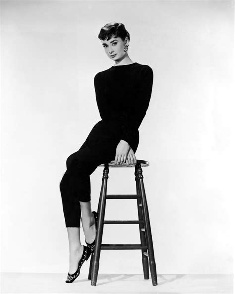 canape annee 50 sabrina hepburn photo 824943 fanpop