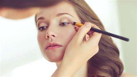 how do you become a makeup artist become professional makeup artist makeup wordplaysalon