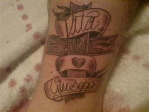 Kreuz Tattoo Oberarm : flavis35 ich liebe meine eltern und bin stolz auf sie kreuz tattoos von tattoo ~ Frokenaadalensverden.com Haus und Dekorationen