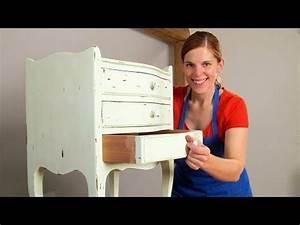 Holzmöbel Weiß Streichen : diy ein altes schr nkchen mit wei er kreidefarbe im shabby chic stil streichen youtube ~ Orissabook.com Haus und Dekorationen
