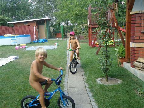 Rajce Nude Penis Deti Idnes Rajce Boy Naked