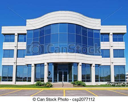 bureau d ude batiment photo de tête bureau verre et béton façade de