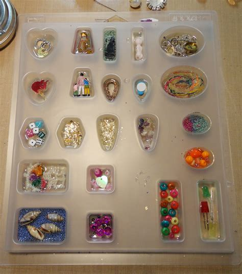 resin crafts resin crafts working in molds part one