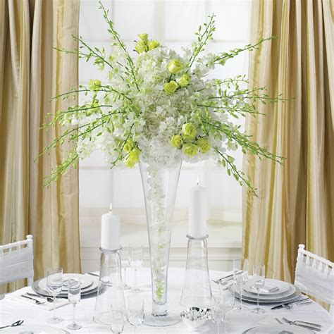 30 Dramatic Tall Wedding Centerpieces 19311