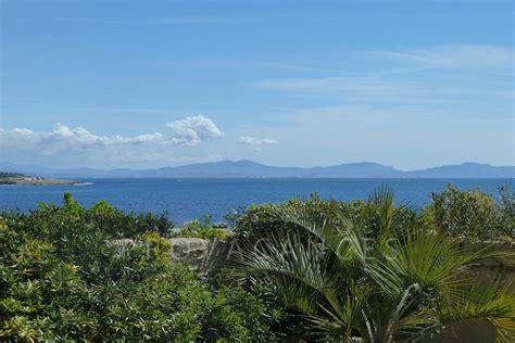 villa pied dans l eau villa avec piscine et vue mer 224