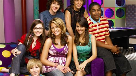 zoey 101 cast its nickelodeon