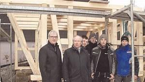 Ante Holz Züschen : azubis zimmern neues backhaus f r somplar bromskirchen ~ Frokenaadalensverden.com Haus und Dekorationen
