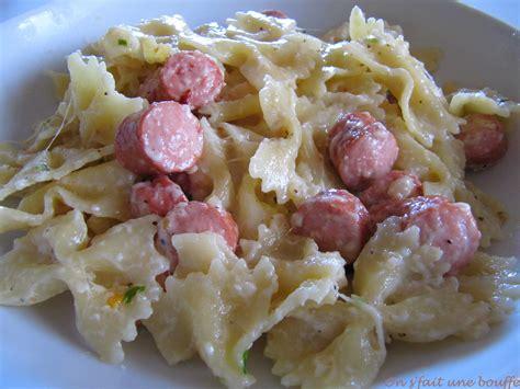 cuisiner des saucisses de strasbourg mijoté de pâtes saucisses de strasbourg et mozzarella on s 39 fait une bouffe