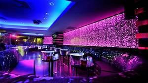 Tube Neon Couleur Deco : lampe n on magasins id es couleurs 96 photos pour votre inspiration ~ Melissatoandfro.com Idées de Décoration