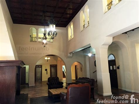 """Feelnumbcom Exclusive Photos Location Of The Ghostly Eagles """"hotel California"""" Lobby Gatefold"""