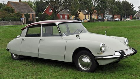 Citroen Car : Citroën Ds