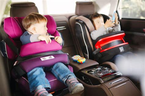 siege auto qui se tourne méfiez vous des sièges auto avec bouclier mycarsit