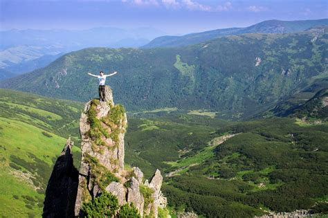 Let's go hiking on Chornohora range · Ukraine travel blog