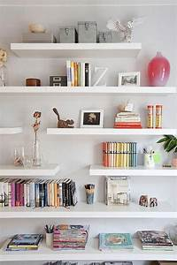pin, on, bookshelf
