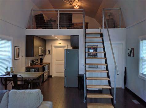 man builds phenomenal tiny home    afford  buy walk      lives