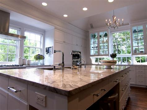 eat in kitchen design hgtv s top 10 eat in kitchens hgtv 7018