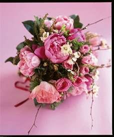 flower arrangements for wedding how to select your wedding flower arrangements bridalguide