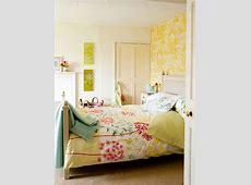 beautifulbedroomdesignwithfloralwallpaper