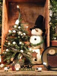 Primitive Snowman Christmas Tree