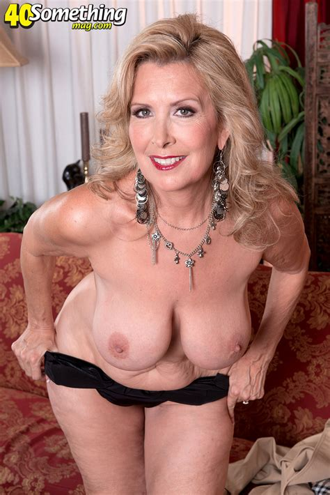 American Sexy Mature Housewife Big Tits Xxx Dessert