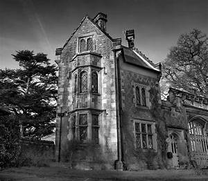Old English House : Black and White Photography
