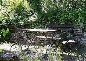 Gartenmöbel Aus Metall : gartenm bel aus metall romantische sitzecke im garten ~ One.caynefoto.club Haus und Dekorationen