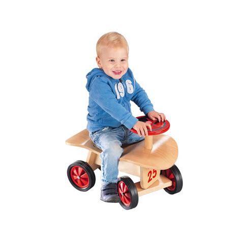 siege ergonomique bebe jouets des bois porteur en bois goki avec siège