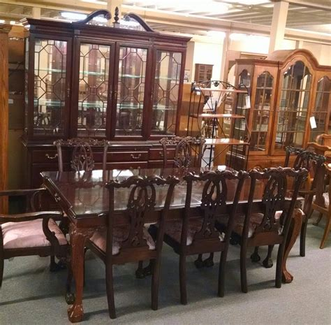 stanley table chairs  hutch delmarva furniture