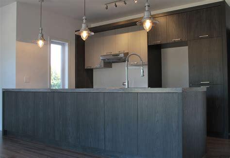 de cuisine armoire de cuisine mélamine grise et bois